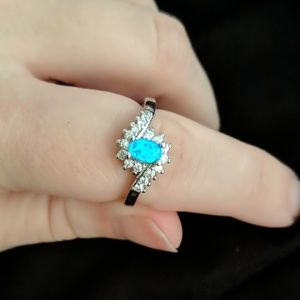 Jewelry - Aqua blue gemstone ring